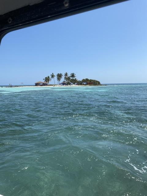 Belize Goff's Caye Island Getaway and Snorkel Cruise Excursion Phenomenal time