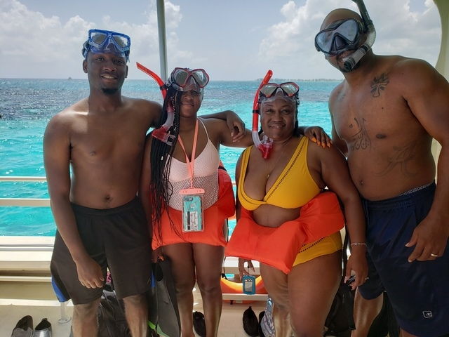 Grand Cayman Stingray City Sandbar, Coral Gardens and Barrier Reef Snorkel Excursion