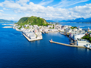 Alesund Hop On Hop Off City Sightseeing Bus Excursion