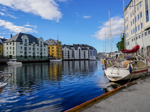Alesund Church Cruise Excursion Reviews