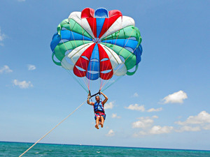 Aruba Parasailing at Palm Beach Excursion