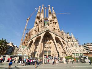 Barcelona Full Day Sightseeing Excursion with Lunch