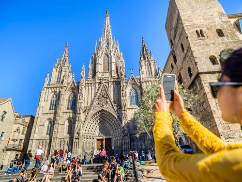 Barcelona gaudi art Excursion Reservations