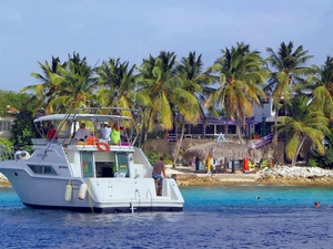 Bonaire Yacht Cruise and Snorkeling Excursion