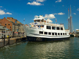 Boston Historic Harbor Sightseeing Cruise Excursion