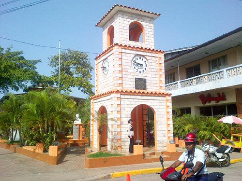 Roatan central park Excursion Reservations