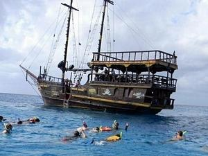 Cozumel Private Pirate Boat Snorkel Excursion, Party and Lunch