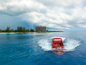 Cozumel Thriller Jet Speed Boat and Buccano's Beach Break Excursion