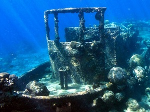 Curacao Sunken Tugboat and Reef Snorkel Excursion