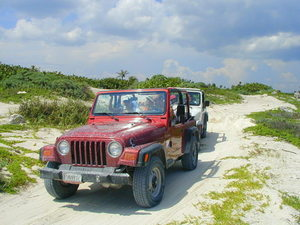 Custom Private Jeep and Snorkel Excursion with Lunch from Playa del Carmen