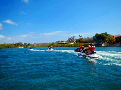 Curacao Willemstad tugboat wreck snorkel Cruise Excursion Cost