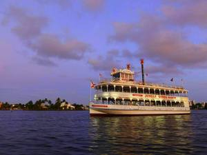 Fort Lauderdale Jungle Queen Dinner, Show and Sightseeing Cruise Excursion