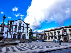 Funchal City Hop On Hop Off Sightseeing Bus Excursion (Red Line)