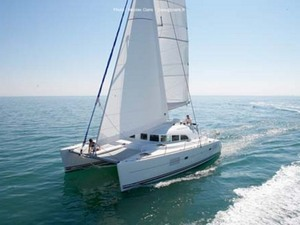 Grand Cayman Private Luxury Catamaran Stingray City Sail and Snorkel Charter