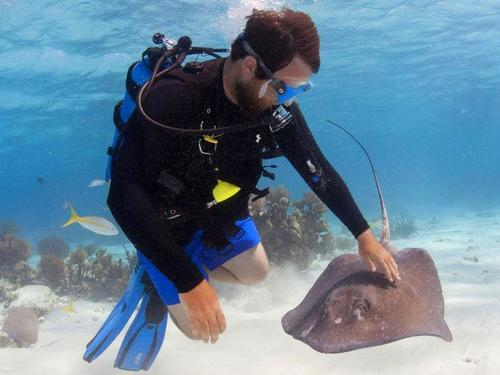 Grand Cayman George Town scuba diving Cruise Excursion Reservations