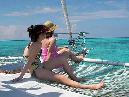 Grand Cayman  George Town catamaran sailing Reviews
