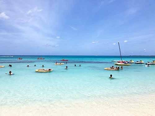 Grand Cayman heroes square Cruise Excursion Reservations