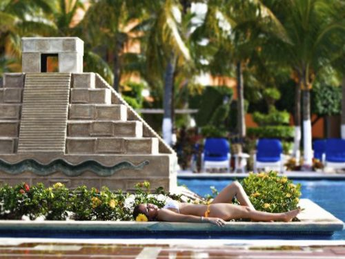 Cozumel  Mexico largest resort swimming pool Prices