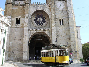 Lisbon City Highlights Walking Excursion