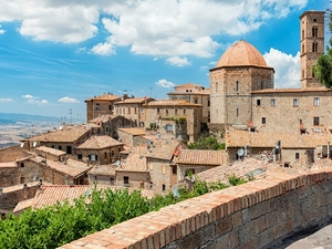 Livorno Private San Gimignano and Volterra Sightseeing Excursion