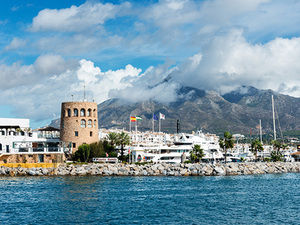Malaga to Marbella and Banus Sightseeing and Shopping Excursion
