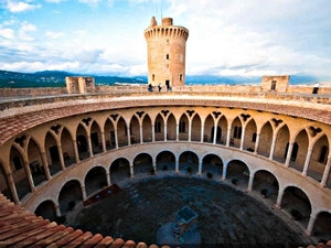 Mallorca Private Half Day Palma and Valldemossa Sightseeing Excursion