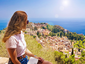 Messina Affordable Shuttle to Taormina and Castelmola Excursion