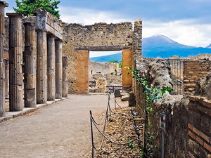 Naples Full Day Pompeii and Wine Tasting Excursion