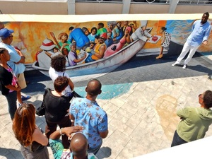 Nassau Guided Art Walk Excursion with Lunch