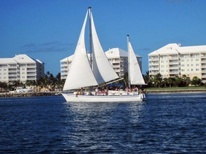 Nassau Half Day Sail and Snorkeling Excursion