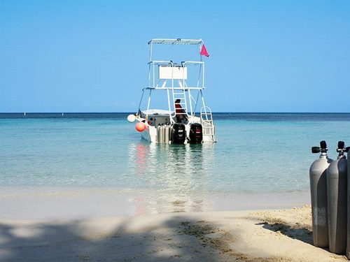Roatan  Honduras 2 tank dive Prices