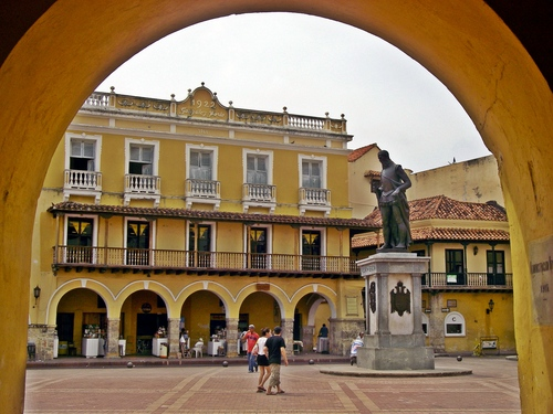 Cartagena multi lingual guide Reviews