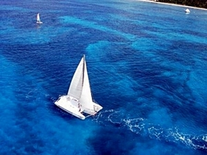 Private Catamaran Sail and Snorkel Charter Excursion from Playa del Carmen