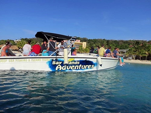 Roatan power speed boat Excursion