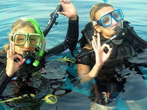 Roatan Discover SCUBA Diving Excursion for Beginners with Boat Dive