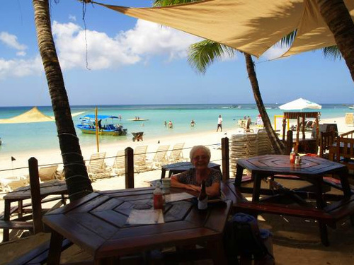 Roatan beach day Shore Excursion Booking