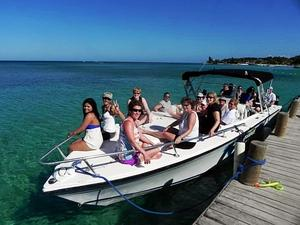 Roatan Private Powerboat, Reefs, Shipwreck Snorkel and Private Beach Excursion