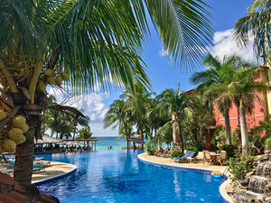 Roatan Sightseeing and Day Pass at Infinity Bay Resort Excursion