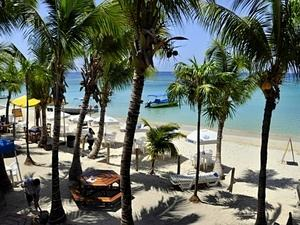 Roatan West Bay Bananarama Resort Beach Day Pass Excursion