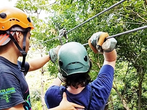 Roatan Zip Line, Blue Channel Snorkel and Beach Excursion