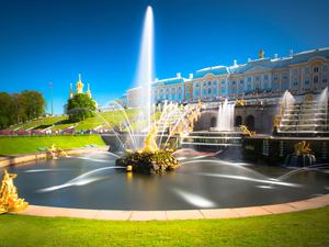 St. Petersburg Private Peterhof Palace with Hydrofoil Boat Excursion for Small Groups