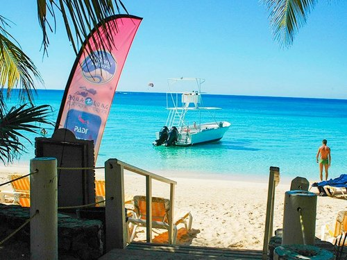 Roatan certified SCUBA diving Tour