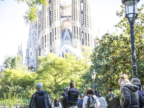 Barcelona Sagrada Familia Sightseeing Cruise Excursion Reservations