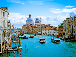 Venice Private Sightseeing by Boat, Murano and Burano Luxury Excursion
